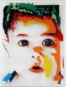portret van (klein)kind op glas